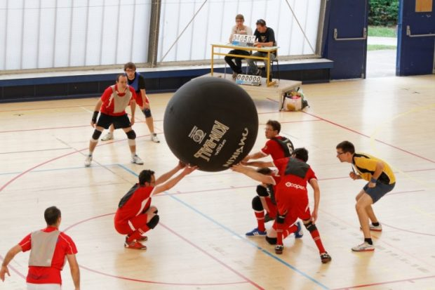 Comment un club de Kin-Ball finance le renouvellement de ses ballons …