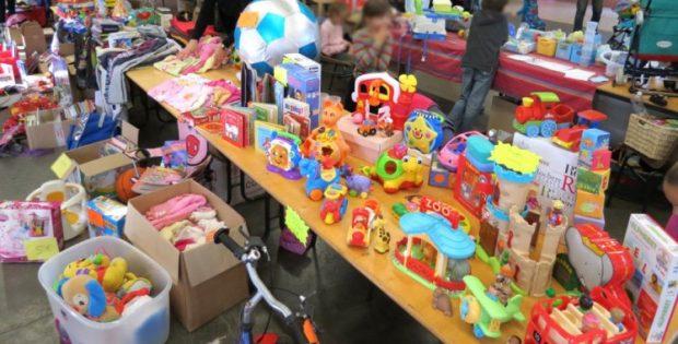 Comment organiser une bourse aux jouets en formule «de particulier à particulier» ?