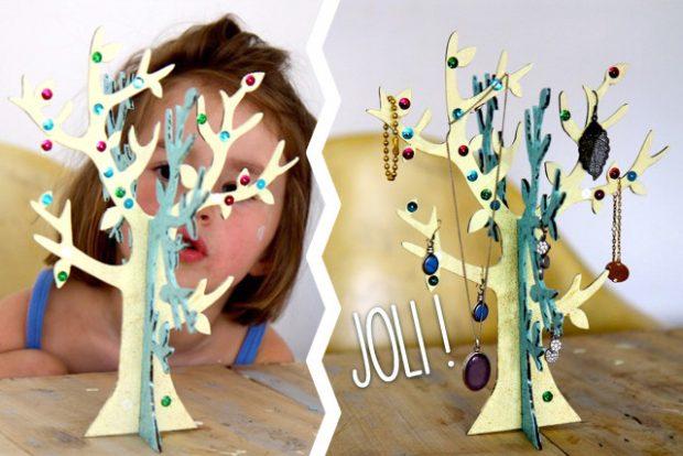 le bel arbre a bijoux de Zoé