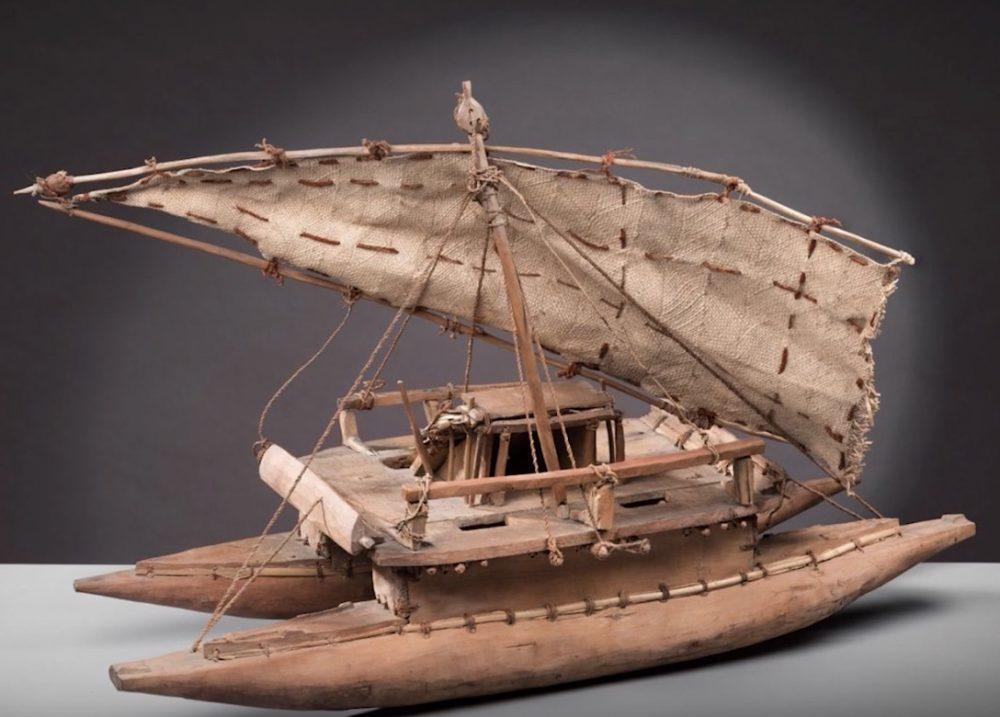 Catamaran formé de 2 pirogues solidaires